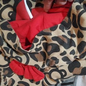 SUPER CUTE LISENCED HELLO K LEOPARD HOODIE W ears